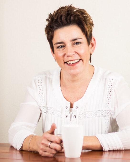 AstridOnijs.nl-Astrid-Onijs-profiel-contact-duurzame-inzetbaarheid-en-mentale-vitaliteit-1500x1000px-1024x683